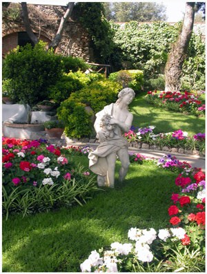 statuary Landscape Design