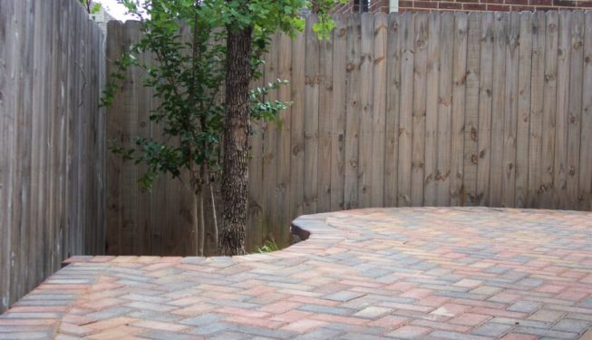 Curved multicolored patio