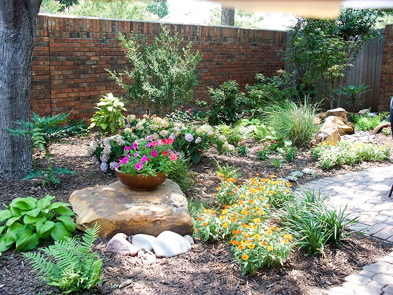 Plants and Rocks Landscaping - Chapman Home