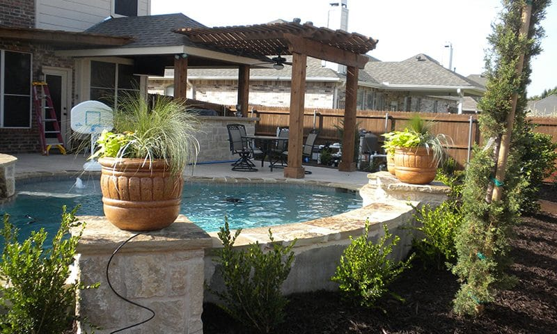 Modern Pool and Patio Design - Mauldin Home